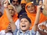 Over 8,000 Sikh pilgrims from various countries visited Pakistan recently to celebrate the 543rd birthday of the founder of Sikhism, Guru Nanak Dev. PHOTO: AFP