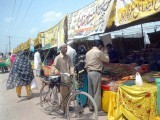 It is the poor, lower middle and middle classes who will visit the bazaars in the hope of finding cheaper food.  PHOTO: PPI