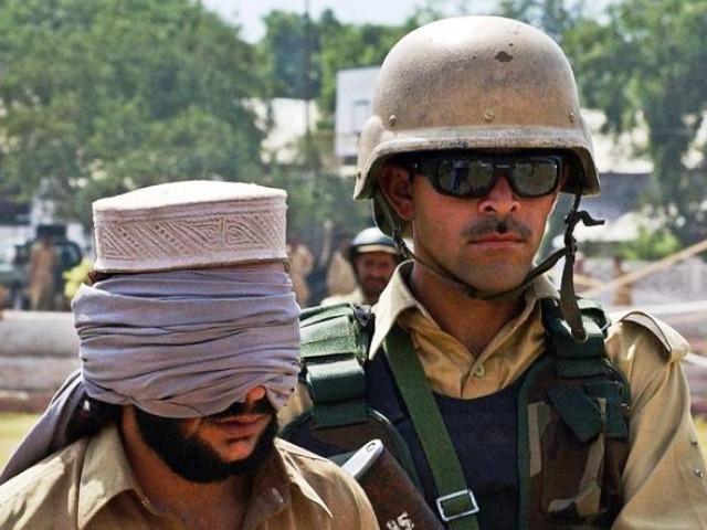Pak army holds Taliban militant (afp)