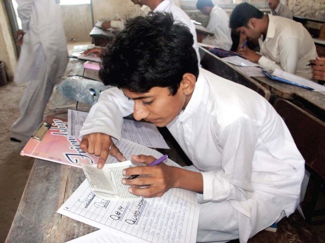 Student-copying-answer-PHOTO-PPI-640x480