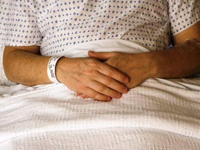 hospital bed (jupiterimages)