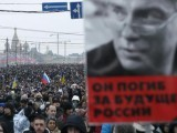 People march to commemorate Kremlin critic Boris Nemtsov, who was shot dead on Friday night. PHOTO: REUTERS