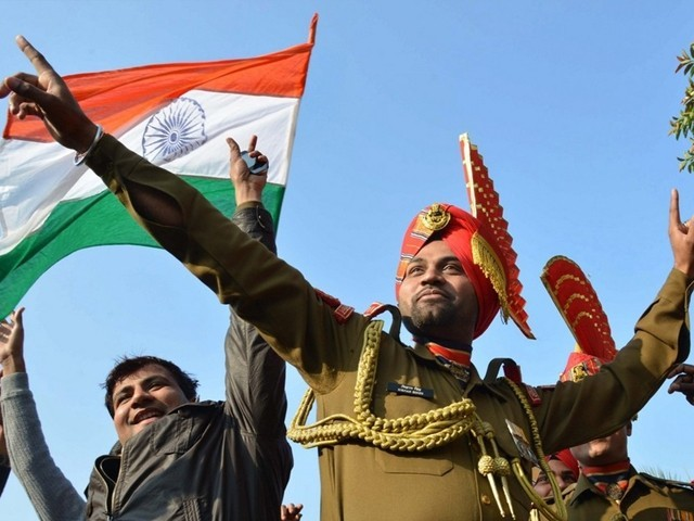 Pak fires mortars, automatics on LoC, Army retaliates