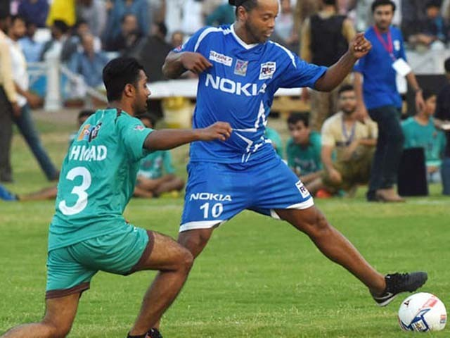 Ronaldinho, Giggs arrive in Pakistan for exhibition matches