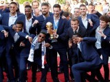 French President Emmanuel Macron poses with French soccer team before a reception to honour the France soccer team after their victory in the 2018 Russia Soccer World Cup. PHOTO: REUTERS