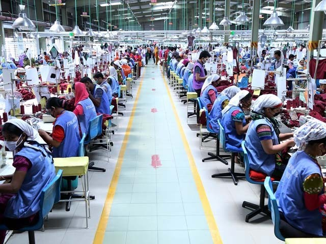 Both India and Pakistan have cheap labour too, so why is it that only Bangladesh has taken massive strides when it comes to garment exports? PHOTO: IPS NEWS